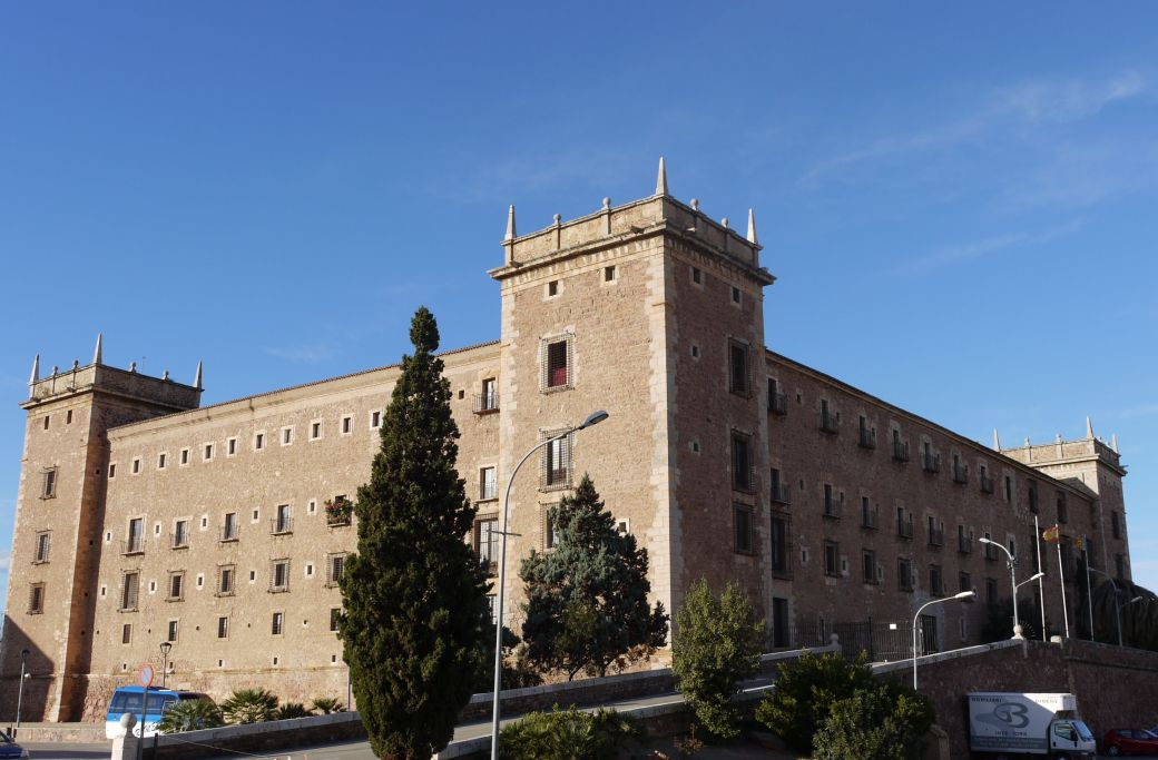 Real_Monasterio_de_Santa_María_de_El_Puig.JPG