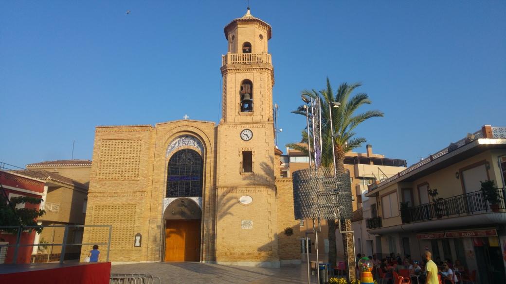 Plaza de la iglesia de pilar de la horadada.jpg