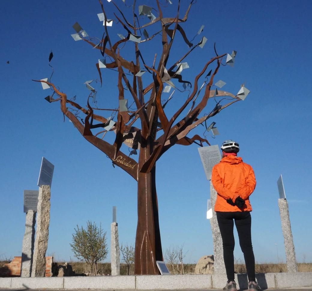 6-Escultura literaria de El Oso