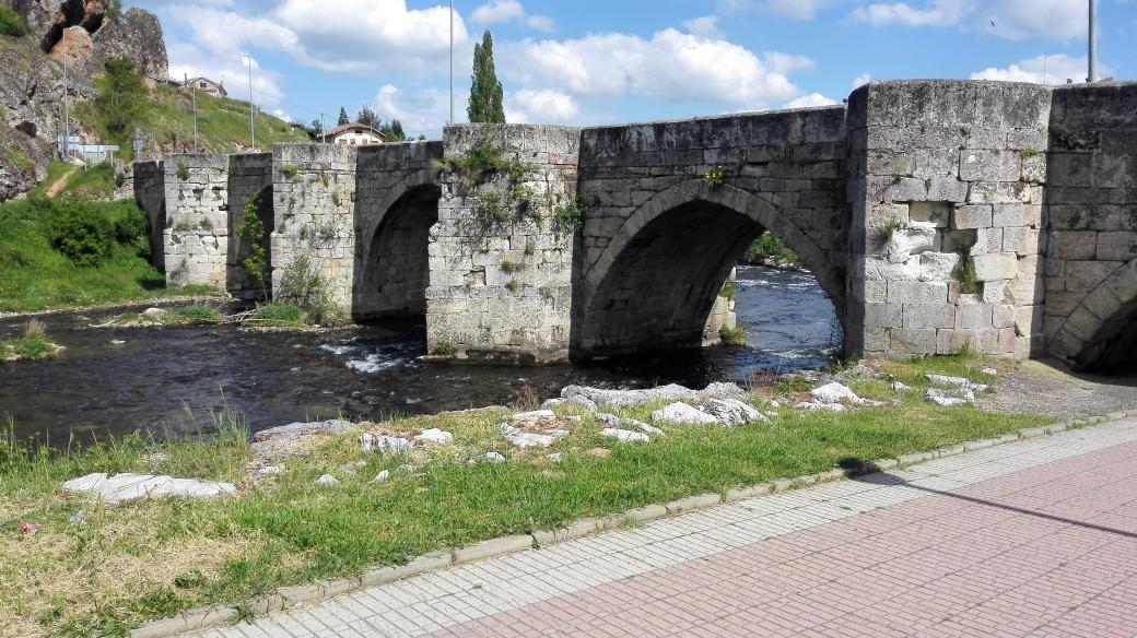 Puente medieval de Cervera de Pisuerga